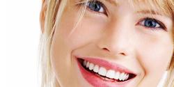 donna dentosofia sorriso